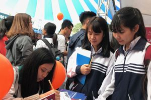 Học sinh Hà Nội lo đề thi THPT Quốc gia hóc búa hơn