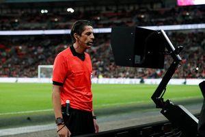 Ý thủ hòa với tuyển Anh nhờ công nghệ VAR