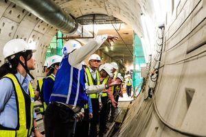 'Thâm nhập' độ sâu hơn 10m dưới lòng đường hầm Metro