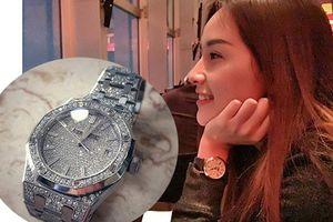 Hoa hậu Mai Phương Thúy khoe đồng hồ giá 2 tỷ gây sốc