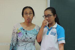 Khiển trách hiệu trưởng Trường THPT Long Thới vì để cô giáo lên lớp không nói gì