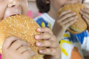 London cấm quảng cáo thức ăn nhanh trên các phương tiện giao thông