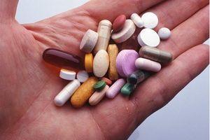 Bộ Y tế nói gì vụ bệnh viện cho bệnh nhân uống thuốc hết hạn?