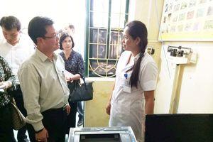 Thứ trưởng Bộ Y tế 'bày cách' kéo người dân tới trạm y tế xã khám chữa bệnh