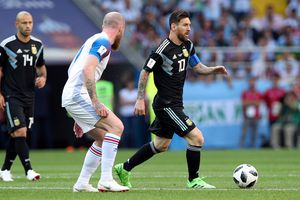 Lionel Messi không thể cứu nổi tập thể Argentina