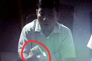 Trưởng công an xã bị tố đánh bài ăn tiền