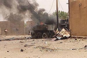 Quân đội Pháp chịu thương vong nặng nề vì bị đánh bom