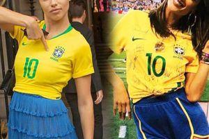 3 thiên thần nội y mặc áo của Neymar tưng bừng mừng Brazil chiến thắng