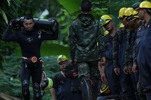 Đào hơn 100 'ống khói' vào núi để cứu đội bóng nhí Thái Lan