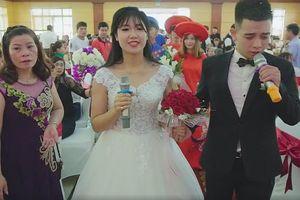 Màn biểu diễn hát song ca cực tình cảm trong đám cưới của cô dâu chú rể Sơn La gây xôn xao cộng đồng mạng