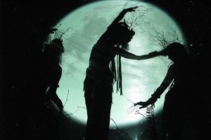 Du khách đổ xô đến ngôi làng phù thủy bí ẩn từng chịu lời nguyền suốt 800 năm