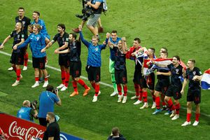 Khoảnh khắc đáng nhớ của cầu thủ Croatia sau khi giành vé vào chung kết World Cup 2018