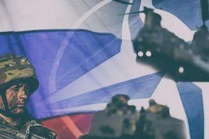 NATO tố Nga khiêu khích, Moscow lập tức mỉa mai đáp trả
