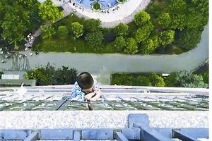 Trung Quốc: Cậu bé 5 tuổi sống sót kỳ diệu sau khi ngã từ tầng 20
