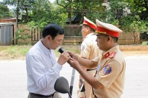 Phú Thọ: CSGT tăng kiểm tra 'ma men, vua tốc độ' ngăn tai nạn