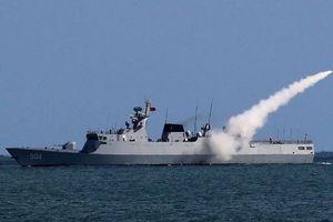 Bắc Kinh tập trận bắn đạn thật trên biển Hoa Đông