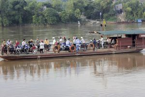 Từ vụ lật thuyền chở 10 người tại Lai Châu: Mất mạng vì 'mặc áo phao sợ bị cười'