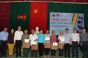 Bộ trưởng Y tế Nguyễn Thị Kim Tiến trích lương tặng bệnh nhân nghèo