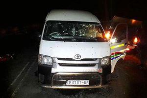 Đi dự đám tang đồng nghiệp, 11 lái xe taxi bị bắn chết