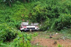Hiện trường vụ xe khách lao xuống vực ở Cao Bằng