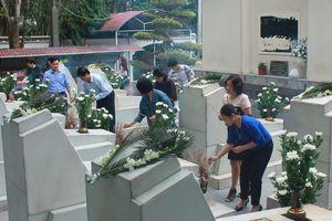 Gần 30.000 lượt người dâng hương tưởng niệm tại Ngã ba Đồng Lộc