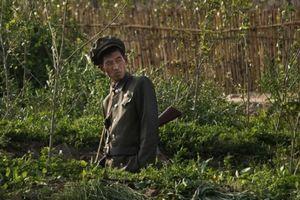 Ông Kim Jong-un lo giải quyết chuyện binh lính suy dinh dưỡng