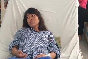 Hít phải khí lạ, nữ công nhân bị liệt, vẫn khắc khoải chờ kết luận