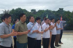 Ban Nội chính Tỉnh ủy dâng hoa, dâng hương tưởng niệm các anh hùng, liệt sỹ