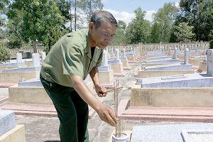 Cựu binh 15 năm lặng thầm canh 'giấc ngủ' đồng đội