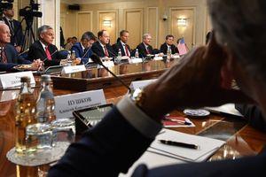 Roscosmos mời các Thượng nghị sĩ Mỹ đến phòng tập bắn