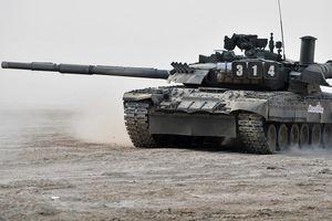 Báo Mỹ: 'Xe tăng T-80 của Nga không phải trò đùa'