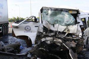 Xe rước dâu gặp nạn làm 13 người chết: Tuyến đường tránh 'tử thần'