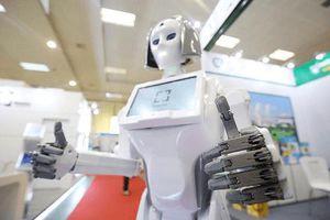 Chiêm ngưỡng nhan sắc 'cô gái' robot tại Việt Nam Expo 2018