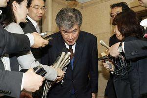 Thứ trưởng Nhật 'ngã ngựa' vì quấy rối