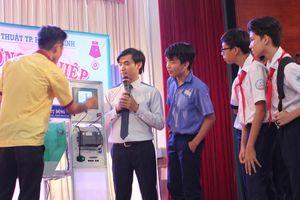 Học sinh lớp 9 TPHCM hào hứng với tư vấn nghề trực tiếp