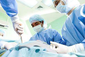 Cứu sống bệnh nhân vỡ tạng vì tai nạn lao động