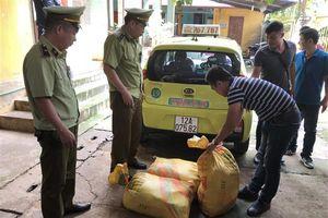'Tóm gọn' 2 vụ vận chuyển hàng lậu trong 1 ngày