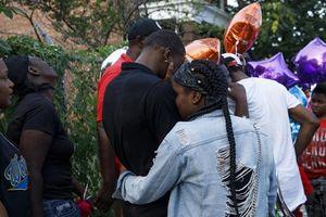 Băng đảng xã hội đen thanh toán đẫm máu, 44 người bị bắn
