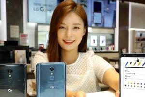 LG ra mắt Q8 (2018), màn hình 6.2 inch, camera selfie góc rộng