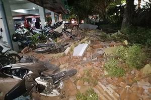 Hình ảnh tang thương, đổ nát sau trận động đất kinh hoàng ở Indonesia