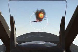 Máy bay Hawker Typhoon nhả đạn bắn cháy 3 phi cơ đối phương