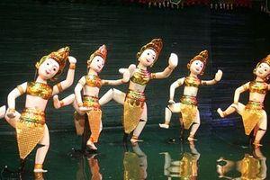 Thứ trưởng Vương Duy Biên làm đạo diễn liên hoan múa rối ở TP.HCM