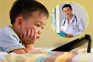 Bác sĩ chỉ rõ những bệnh mà trẻ nghiện điện thoại gặp phải, trong đó có nhiễm khuẩn tụ cầu vàng