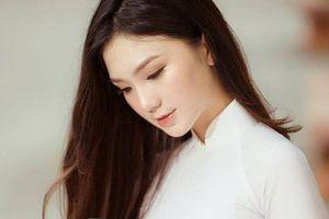 Nét dịu dàng của thí sinh Hoa hậu Việt Nam 18 tuổi mê văn chương