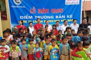 Trao tặng phòng học và nhà vệ sinh cho đồng bào Mã Liềng