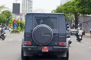 Tiết lộ danh tính tài xế lái xe Mercedes-Benz G55 gắn biển đỏ giả