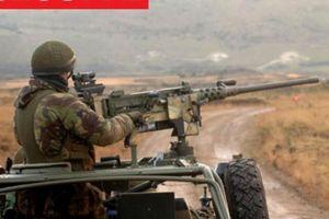 Phát đạn súng máy ghê hồn làm đứt rời cánh tay chỉ huy IS cách 2,4km
