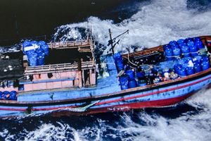 Ám ảnh con tàu mang 201 vết đạn do vi phạm lãnh hải nước khác