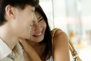Sững sờ đêm tân hôn, chồng bắt vợ lạy 3 lạy mới cho 'nhập phòng'