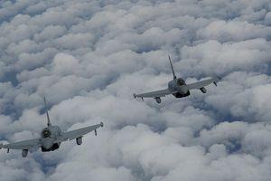 Nga bác bỏ tuyên bố 6 chiếc Su-24 bị Anh 'xua đuổi' khỏi Biển Đen